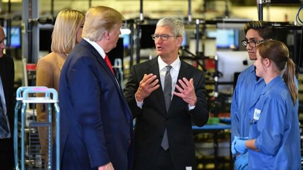 Tham nha may Apple, ong Trump khoe thanh tich dua san xuat ve My hinh anh 1