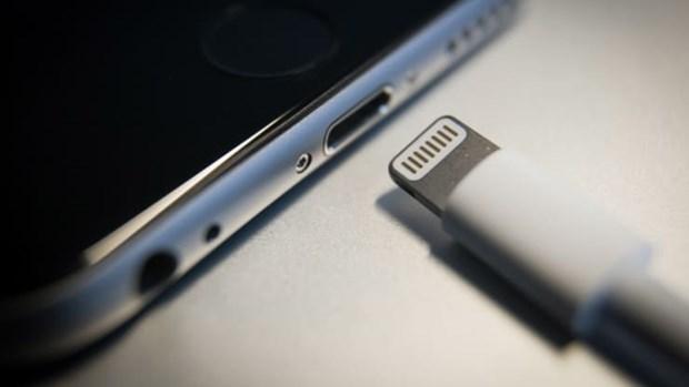Apple se chia tay cong Lightning va dung sac khong day cho iPhone? hinh anh 1