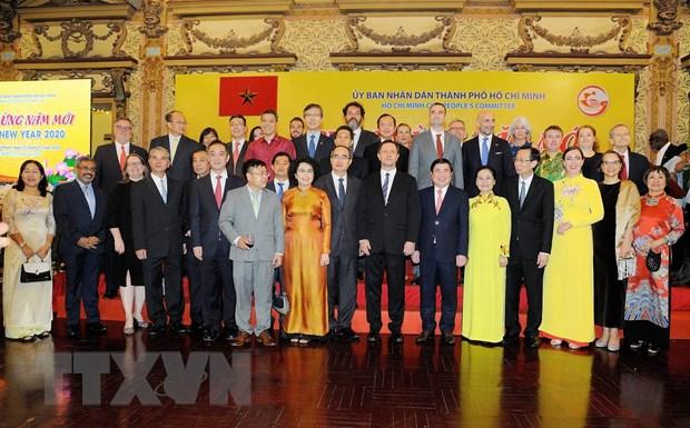 Thanh pho Ho Chi Minh gap mat cac co quan dai dien nuoc ngoai hinh anh 1
