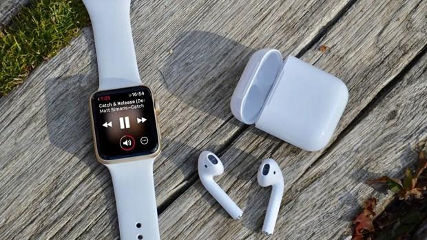 AirPods giup Apple cung co vi tri so 1 tren thi truong thiet bi deo hinh anh 1