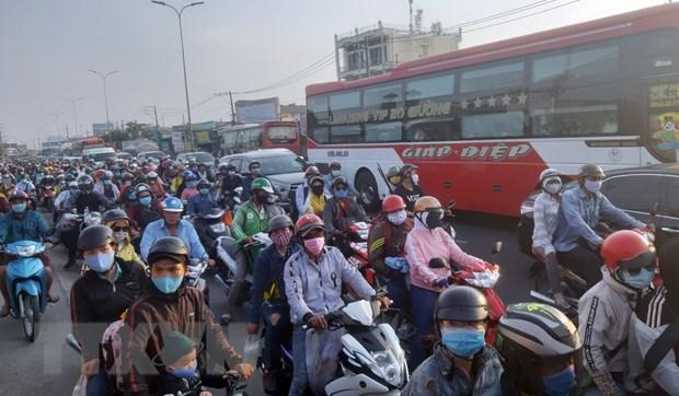 TP Ho Chi Minh thi diem kiem tra khi thai xe moto, xe gan may hinh anh 1