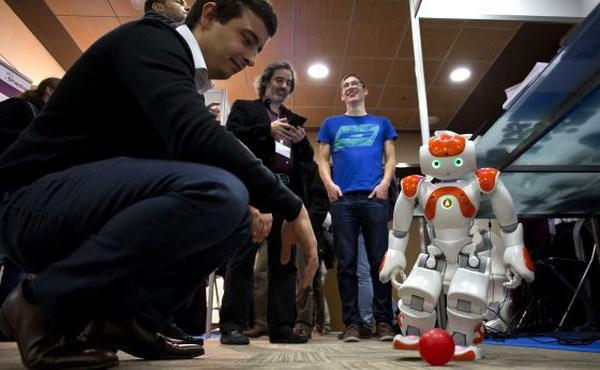 Nhieu thu vi tai Hoi nghi robot quoc te 2014 o Tay Ban Nha hinh anh 1