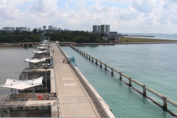 Marina Barrage: Ky quan xay dung giua trung tam Singapore hinh anh 1