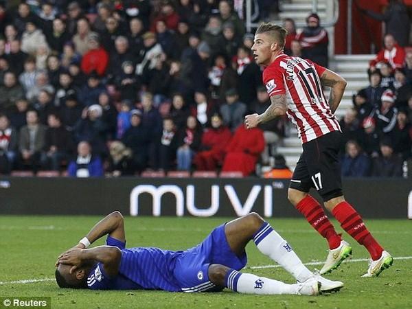 Nguyen nhan khien Mourinho luon de mat diem vao dip cuoi nam hinh anh 1