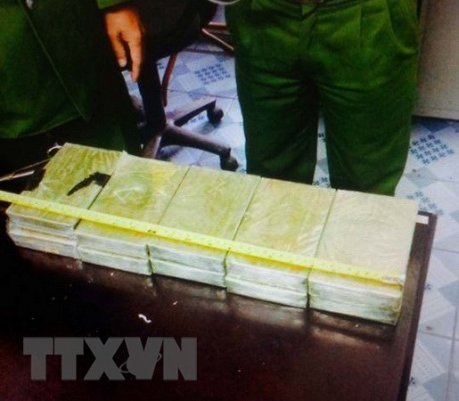 Quang Ninh: Thu giu gan 20 kg ma tuy tren tuyen bien gioi Mong Cai hinh anh 1