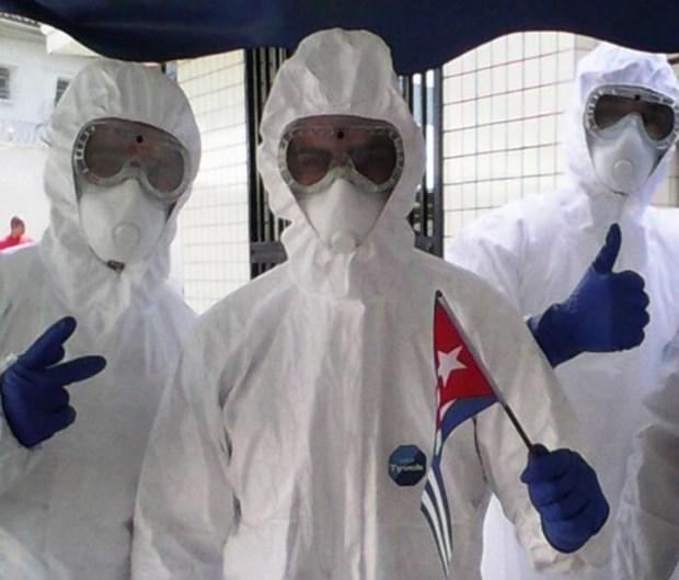 Bac sy Cuba cuu song hang tram benh nhan nhiem virus Ebola hinh anh 1