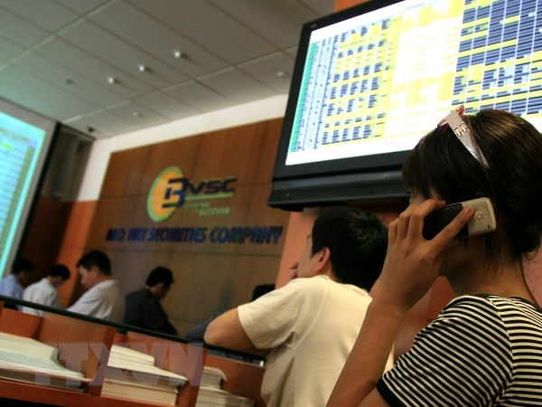 Chi so VN-Index tien sat nguong 590 diem trong phien dau tuan hinh anh 1