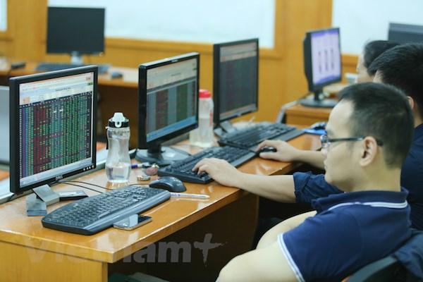 Chung khoang giang co, chi so VN-Index tru lai moc 1.016 diem hinh anh 1
