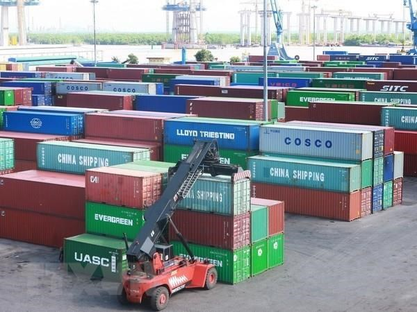 23.000 container phe lieu: Se ban dau gia tron goi hay tung phan? hinh anh 1