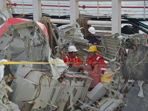 AirAsia nhan pham loi ve thu tuc thay doi lich trinh bay QZ8501 hinh anh 1