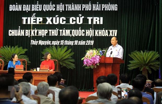 Thu tuong Nguyen Xuan Phuc tiep xuc cu tri Thuy Nguyen, Hai Phong hinh anh 1