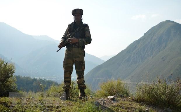 Giao tranh du doi giua binh sy An Do-Pakistan doc ranh gioi o Kashmir hinh anh 1