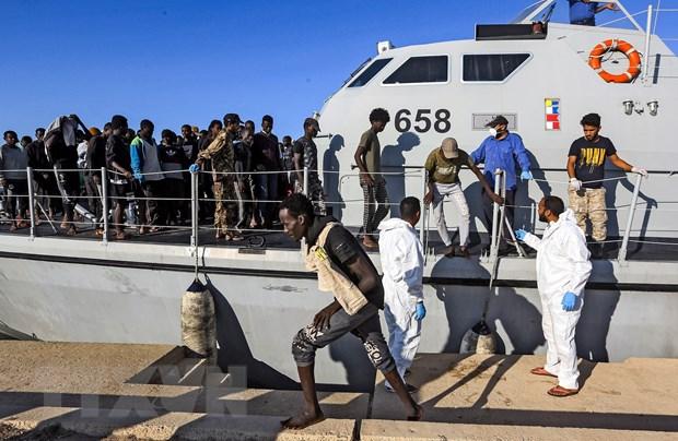 Hai quan Libya cuu hon 200 nguoi di cu tren bien hinh anh 1