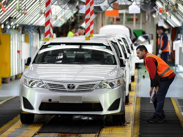 Toyota cham ban giao 23.000 xe vi anh huong muoi khoi hinh anh 1