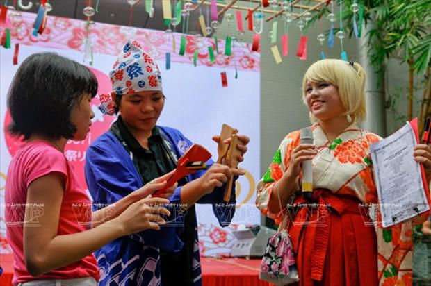 [Photo] Le hoi chuong gio - net van hoa doc dao Xu hoa Anh dao hinh anh 3