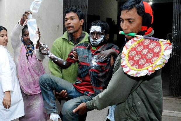 Hai vu nem bom xang tai Bangladesh gay nhieu thuong vong hinh anh 1