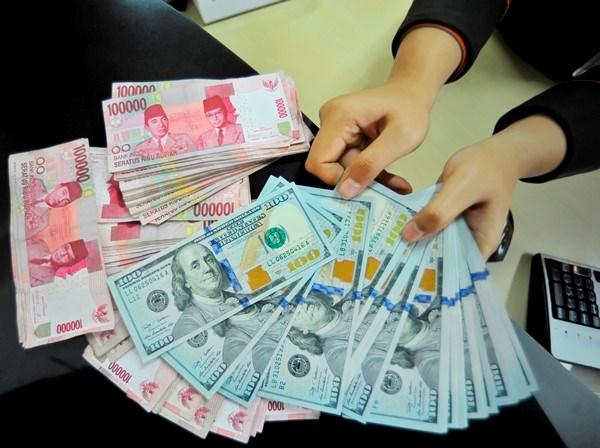 Indonesia da san doi pho trong truong hop dong rupiah mat gia hinh anh 1