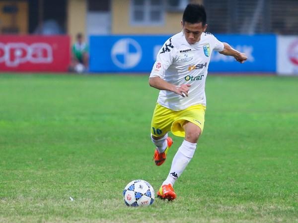 "Van Quyet lap hat-trick, Ha Noi T&T ""gac"" Binh Duong 6 diem hinh anh 1"