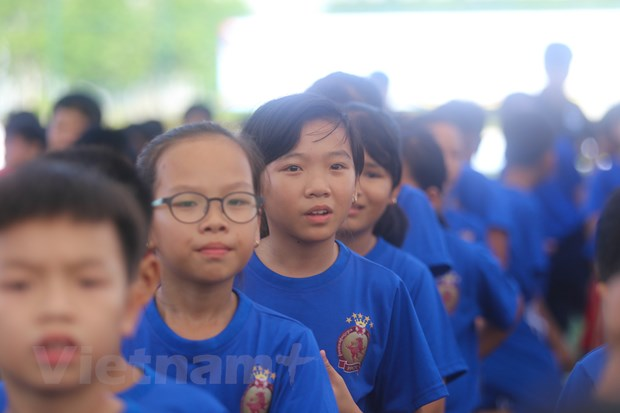 [Photo] Tung bung ngay hoi bong da tre o Binh Duong hinh anh 4