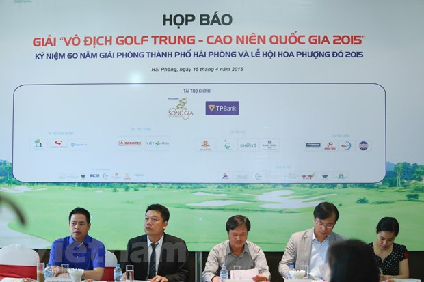 120 tay golf du giai vo dich golf trung - cao nien quoc gia 2015 hinh anh 1