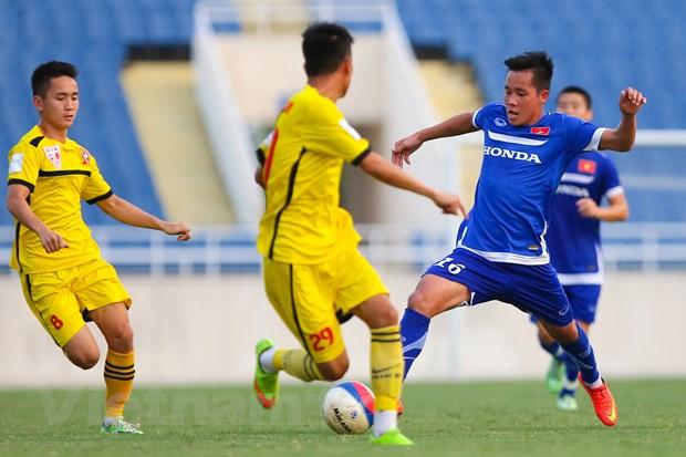"""[Photo] Cong Phuong va Van Toan """"nhay mua"""" truoc hang thu Hai Phong hinh anh 3"""