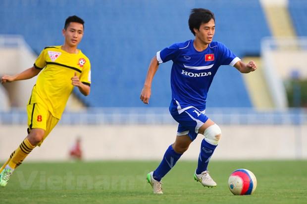 """[Photo] Cong Phuong va Van Toan """"nhay mua"""" truoc hang thu Hai Phong hinh anh 7"""