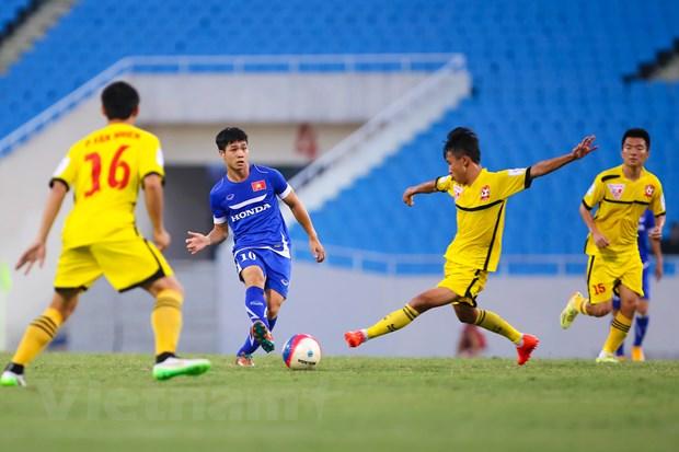 """[Photo] Cong Phuong va Van Toan """"nhay mua"""" truoc hang thu Hai Phong hinh anh 8"""