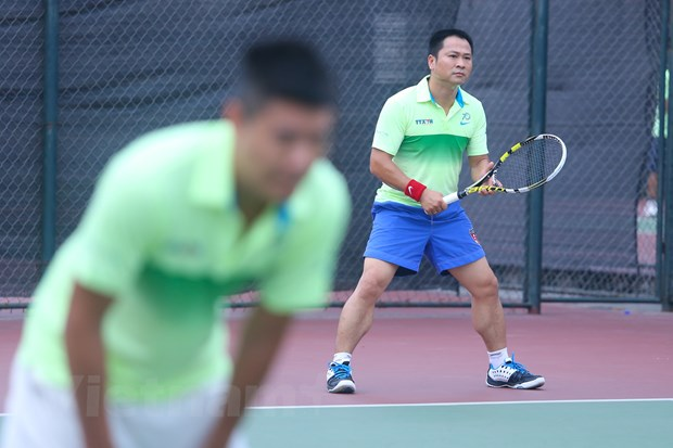 Khai mac giai Tennis Thong tan xa Viet Nam mo rong 2015 hinh anh 2
