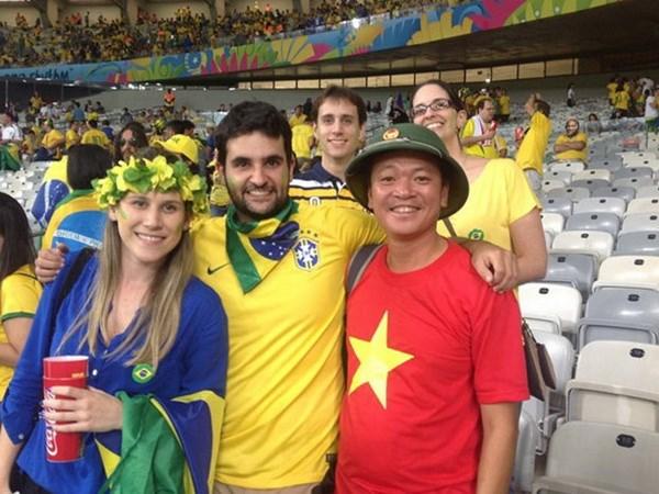Co dong vien Hai Phong mang dac san Viet den voi EURO 2016 hinh anh 1