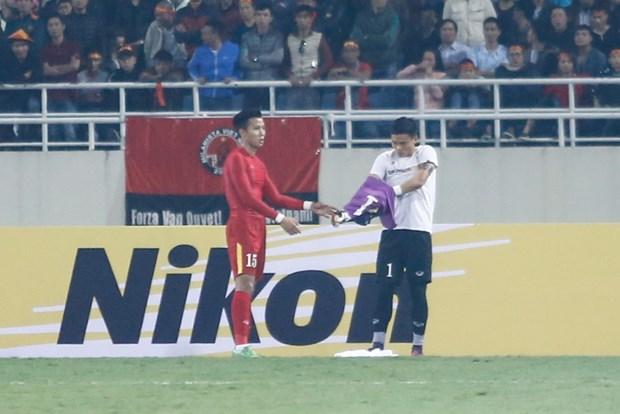 Nguyen Manh choi xau, VFF phai nop phat 1000 USD hinh anh 1