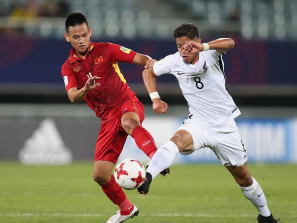 HLV Van Sy: U20 Viet Nam hoa dang tiec chu khong dang mung hinh anh 1