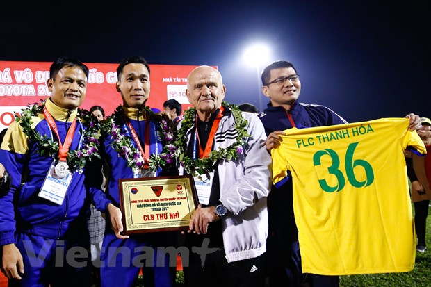 HLV vo dich cup C1 chau Au quay lai dan dat Thanh Hoa o V-League 2021 hinh anh 1