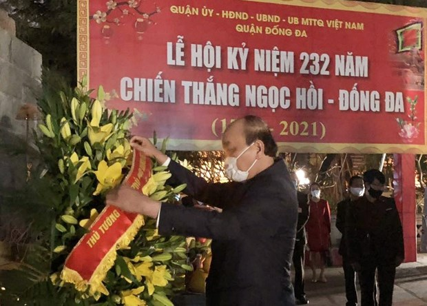 Thu tuong dang huong tai Tuong dai Quang Trung - Nguyen Hue hinh anh 1