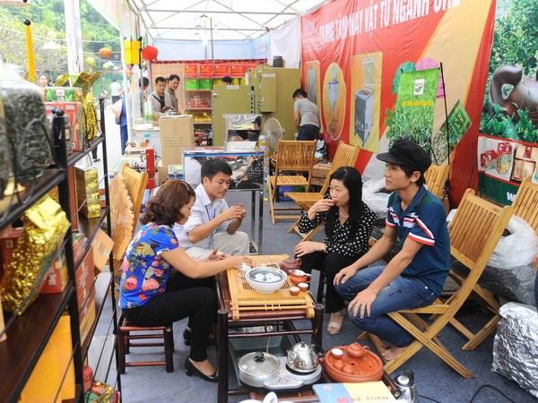 Hang tram nghin khach du Festival tra Thai Nguyen hinh anh 1