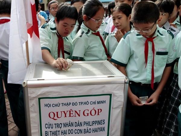 Quyen gop ung ho nan nhan bao Haiyan tai Philippines hinh anh 1
