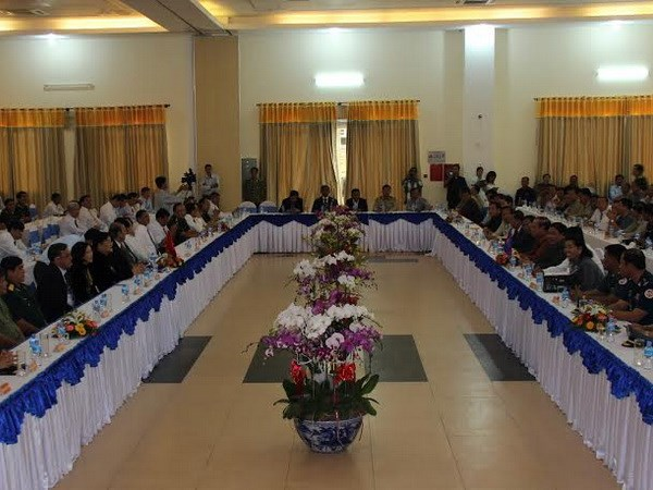 Tay Ninh gap mat voi ba tinh cua Campuchia lang gieng hinh anh 1