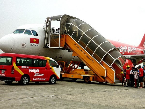 Bo truong Dinh La Thang xin loi nguoi dan ve su co VietJet Air hinh anh 1