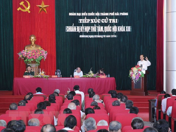 Thu tuong Nguyen Tan Dung tiep xuc cu tri tai Hai Phong hinh anh 1