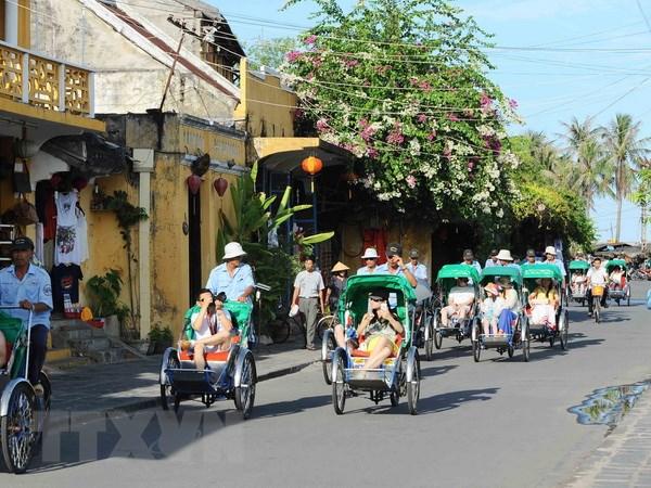 Quang Nam: Thu hut tren 18.000 du khach trong 4 ngay dau nam moi hinh anh 1