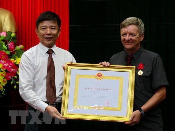 Trao Huan chuong Lao dong cho 2 nguoi phat hien Phong Nha-Ke Bang hinh anh 1