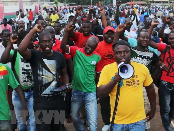 Burkina Faso ap dat gioi nghiem, dong cua bien gioi va khong phan hinh anh 1