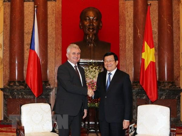 De nghi Sec ho tro dia phuong Viet Nam ve du lich, che tac phale hinh anh 1