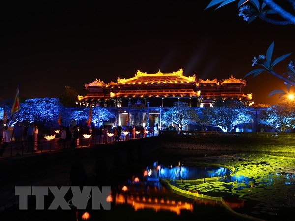Dam minh trong khong khi cung dinh xua tai Festival Hue 2016 hinh anh 1