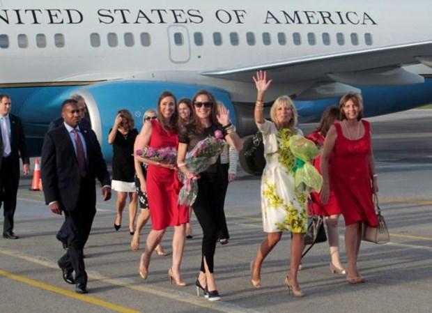 Phu nhan cua Pho Tong thong My Joseph Biden tham Cuba hinh anh 1