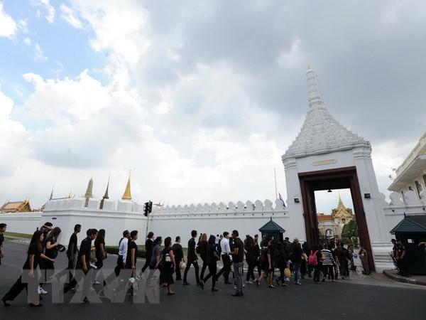 Thai Lan de tang Nha vua 15 ngay truoc khi nguoi ke vi len ngoi hinh anh 1