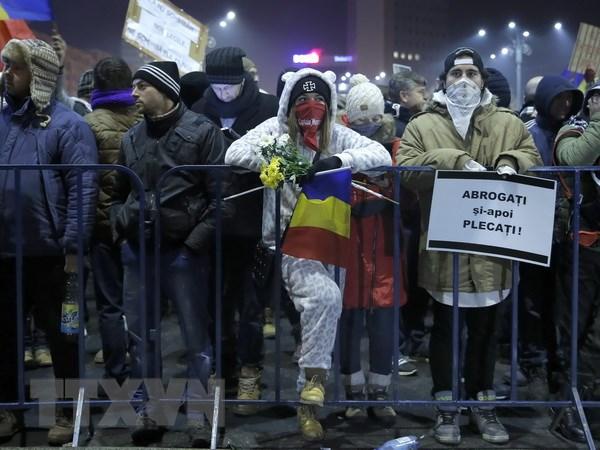 Romania tu choi thu hoi sac lenh mien truy to quan chuc tham nhung hinh anh 1