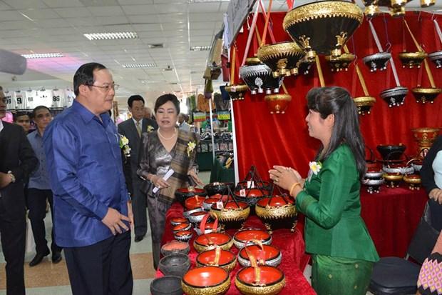 Cac doanh nghiep hai nuoc Lao va Phap tang cuong hop tac hinh anh 1