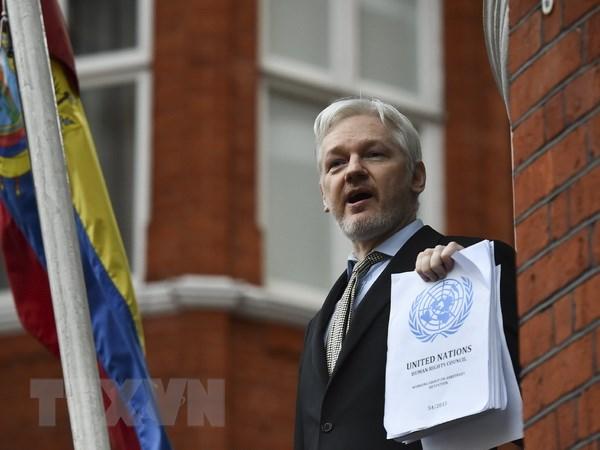 Canh sat Anh khang dinh van se bat giu ong Julian Assange hinh anh 1