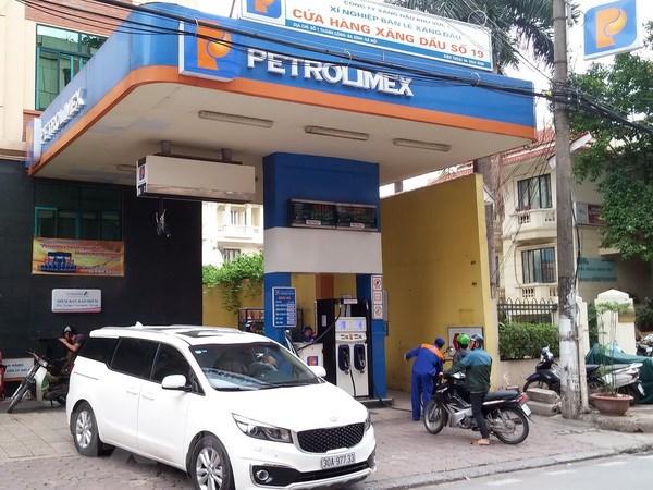 Petrolimex chap nhan the ATM cua 41 ngan hang trong mua xang dau hinh anh 1