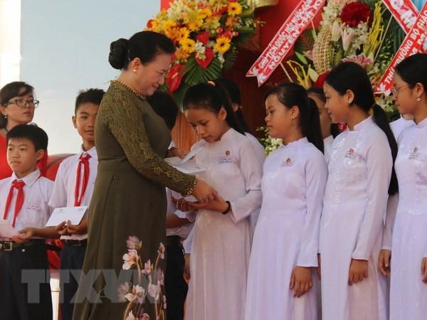 Chu tich Quoc hoi du Le khai giang nam hoc moi tai Tien Giang hinh anh 1